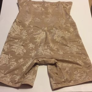 Nude Flexees High waisted slimmer   size 2XL